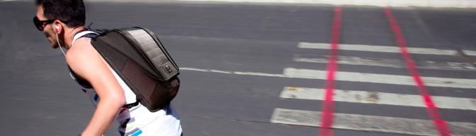"""Lumos – La solución al famoso """"Ya no traigo pila en el cel"""""""