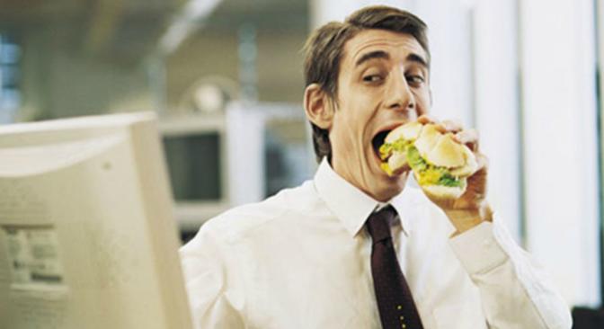 Fact: 89% de los Godínez prefieren comer en la calle.